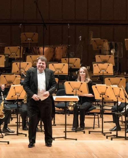 "SSO Principal Guest Conductor Andrew Litton at the ""SSO Pops Concert: Jazz It Up with Gershwin!"" on 17 August. (Photo Credit: Jack Yam)"