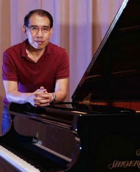 Well-known local composer Kelly Tang was conferred the Cultural Medallion in 2011 by the President of Singapore for his contributions to the arts.