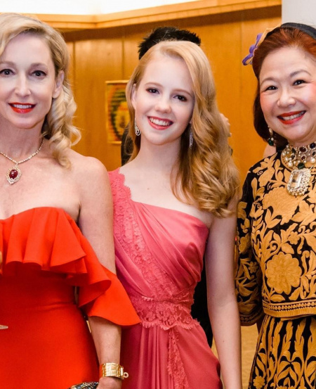 Ms Paige Parker at the SSO Benefit Dinner 2019 (left, pictured with daughter Ms Happy Rogers and fellow SSO Ladies' League member Mrs Kim Camacho). The event helped raise $1.16 million for the SSO.