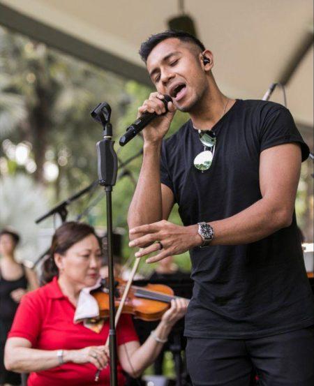 Guest artiste Taufik Batisah (Photo Credit: Chrisppics+)