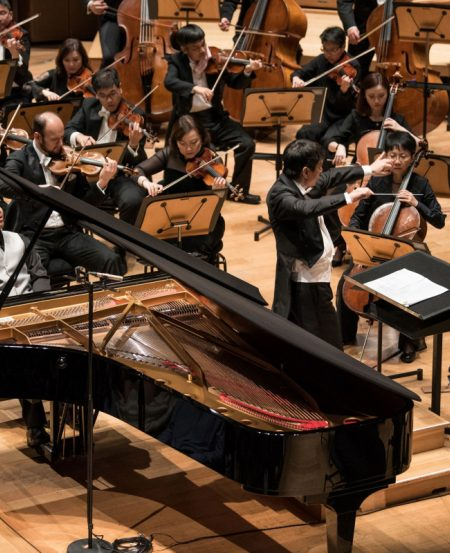 The concerto soloist for our 40th Anniversary Gala was Singaporean pianist Lim Yan, the new Artistic Director of the Singapore International Piano Festival, and the concert was conducted by our outgoing Music Director Lan Shui, in his penultimate concert as Music Director.