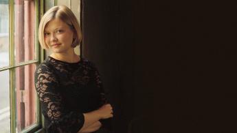 Alina Ibragimova Plays Brahms