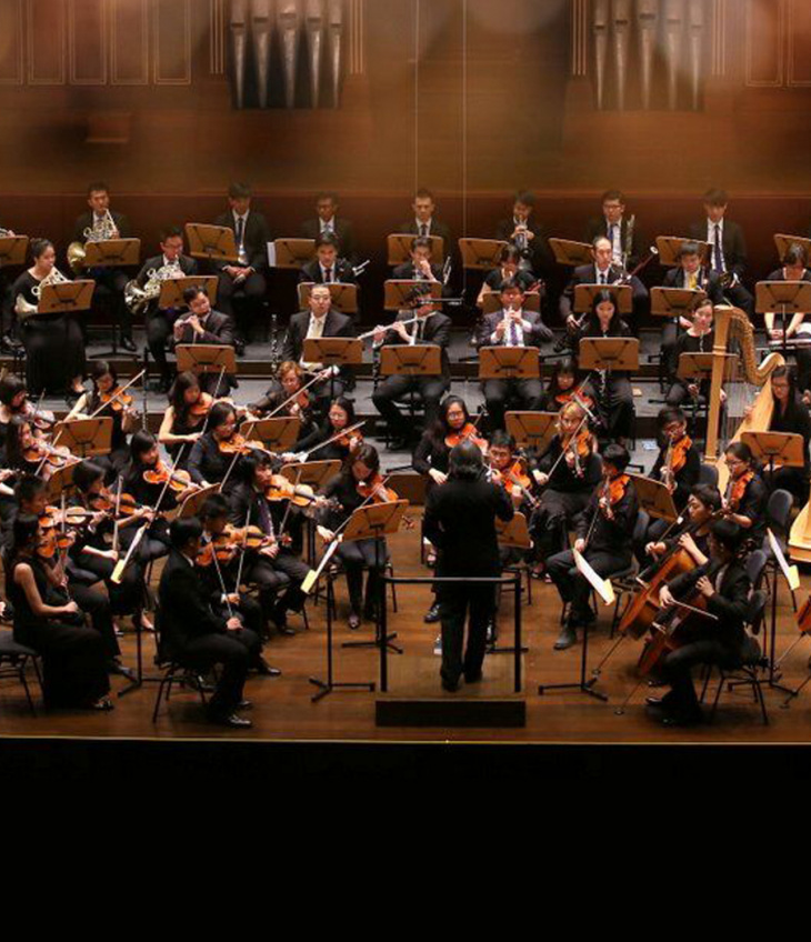 THE PHILHARMONIC ORCHESTRA presents Beethoven's Symphonies No. 1 & 9