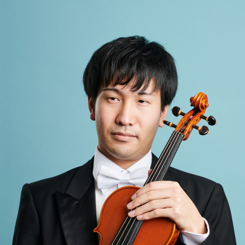 Maestro Pascal Rophé made his debut with the orchestra, conducting the two Asian premieres.
