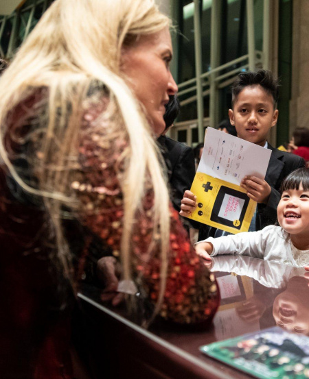 Children's concerts are also a great time to meet the stars for an autograph