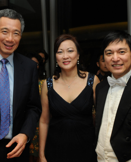 Lynnette with PM Lee Hsien Loong and Maestro Lan Shui at the SSO 30th Anniversary Concert in 2009.