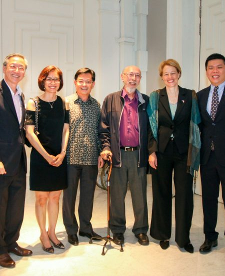 (L-R): GOH Minister of State Mr Sam Tan, NHB CEO Ms Chang Hwee Nee, Minister for Finance Mr Heng Swee Keat, Mr Goh Kian Chee (son of the late Dr Goh Keng Swee), EU Ambassador to Singapore Barbara Plinkert, and SSG CEO Mr Chng Hak-Peng.