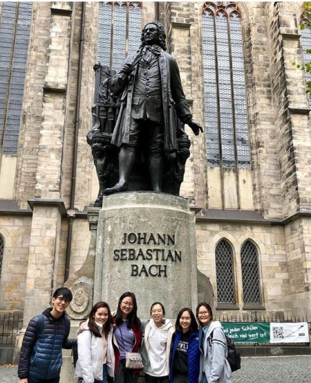 Leipzig is famed for being home to many composers and musicians. It was the residence of Johann Sebastian Bach when he was Kapellmeister (music director) for St Thomas Church, till his passing.