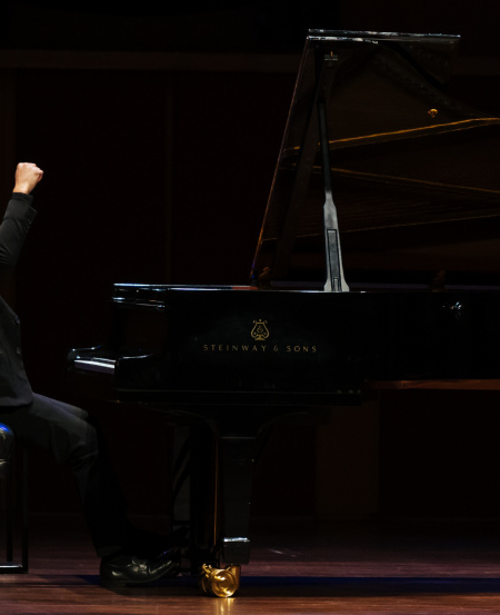 "Tew Jing Jong performed Piano Sonata No. 2 in G-sharp minor, Op. 19 ""Sonata-Fantasy"" by Alexander Scriabin to represent a journey of self-reflection."