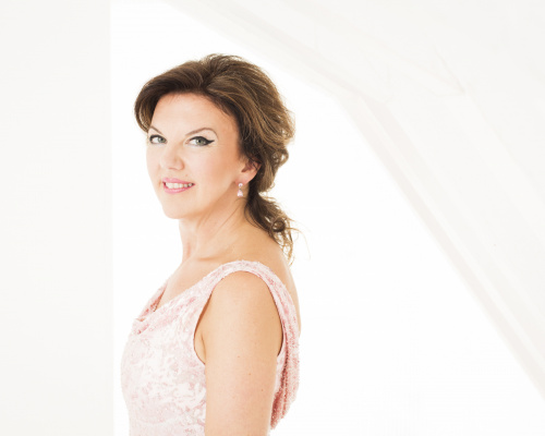 A FAREWELL FOR TASMIN LITTLE (13 FEB)