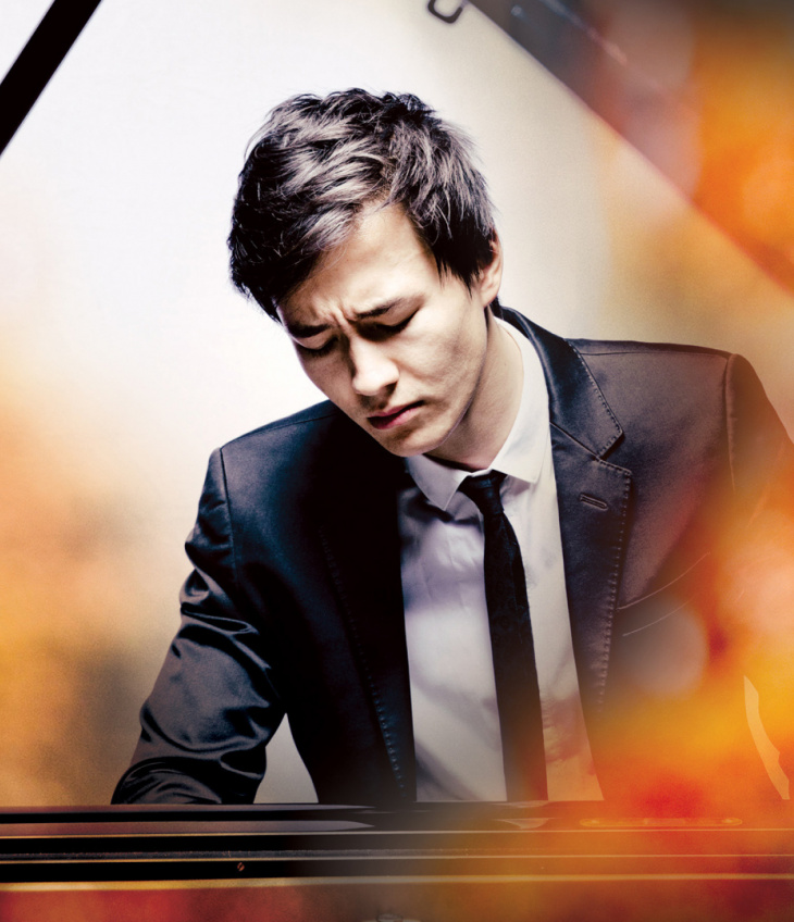 Louis Schwizgebel Plays Mozart
