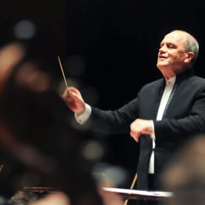 SINGAPORE SYMPHONY NAMES HANS GRAF AS NEW CHIEF CONDUCTOR
